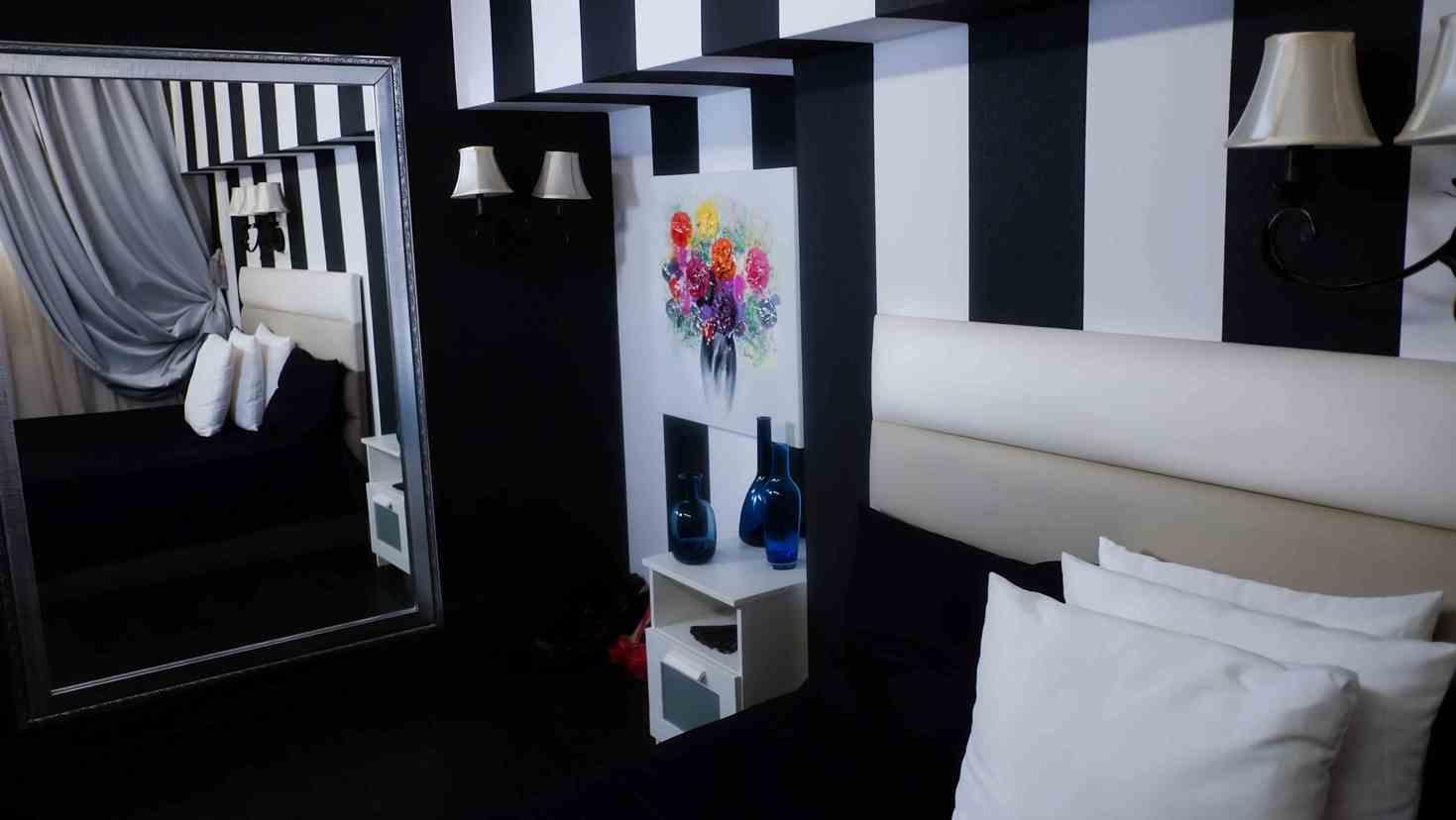 Decoruri de lux, numai la Dream Studio Bucuresti - cel mai serios studio de videochat - Glamour 24